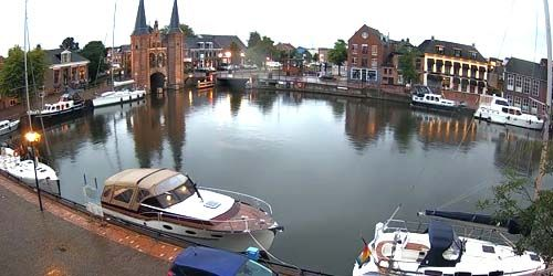 Webcam Sneek - Harbor in the city center, Lemmerweg Bridge