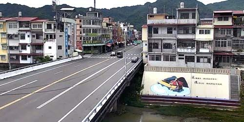 Webcam Kaohsiung (Taiwan Island) - Bridge over the river in the city center