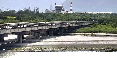 Webcam Taipei - Bridge over the river in Hualien County