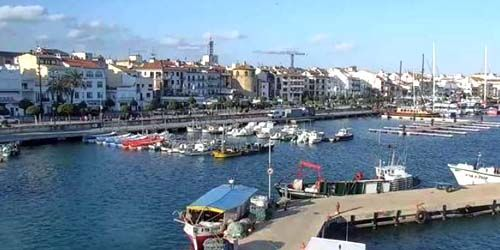 Webcam  - Quay with a pier in the municipality of Cambrils