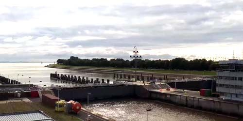 Webcam Brunsbuttel - Trekking from the Kiel Canal to the Elbe River