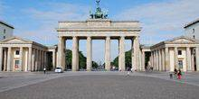 Webcam Berlin - Unter Den Linden, the Brandenburg gate