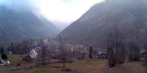Webcam Aosta - City in a mountain valley