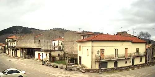 Webcam Isernia - The central square of the commune of Conca Casale