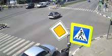Webcam Kharkov - Crossroads of Science Avenue and st. Cosmic