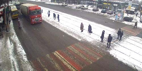Webcam Dnepr (Dnepropetrovsk) - Crossroads of Ivan Mazepa and Metallurgists avenues