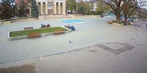 Webcam Nova Kakhovka - Square in front of the Palace of Culture in Kakhovka