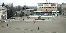Webcam Pervomaisk - Cum Ukraine and the House of culture in the square