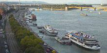 Webcam Budapest - Embankment of the Danube River, Victoria Hotel