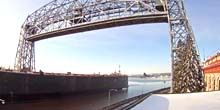 Webcam Duluth - Drawbridge over the canal