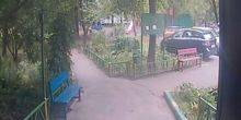 Webcam Moscow - Entrance to the entrance in one of the houses