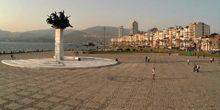 Webcam Izmir - Square with the monument to Gundogdu