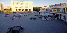 Webcam Cherkassy - Square in front of the House of Trade