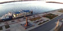 Webcam Astrakhan - Volga Embankment - Monument to Border Guards