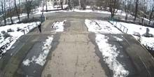 Webcam Kharkov - Village Olkhovka, main entrance to the school