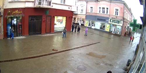 Webcam Uzhgorod - Pedestrians in the city center