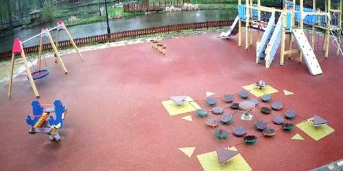 Webcam Yelets - Playground in Petrovsky Park