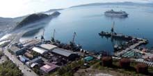 Webcam Petropavlovsk-Kamchatsky - Sea port, panorama from the Sea Cathedral