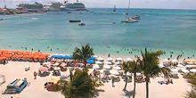 Webcam Sint Maarten - The beach and the seaport