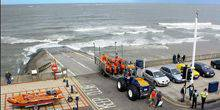 Webcam Redcar - Views of the ocean with the rescue station