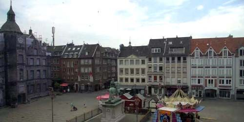 Webcam Dusseldorf - Central Square, Old Town Hall