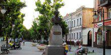 Webcam Kherson - A view of the street Suvorov (Planetarium)