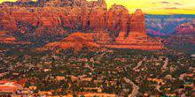 Webcam Sedona - City on a background of mountains Перевести вGoogleBing