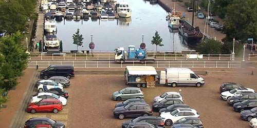 Webcam Zwolle - Embankment and marina with yachts in Genemuiden