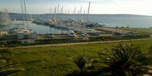 Webcam Split - Yachts on the berth in the sea Bay