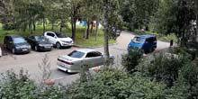 Webcam Moscow - Yard of a residential building in Yasenevo